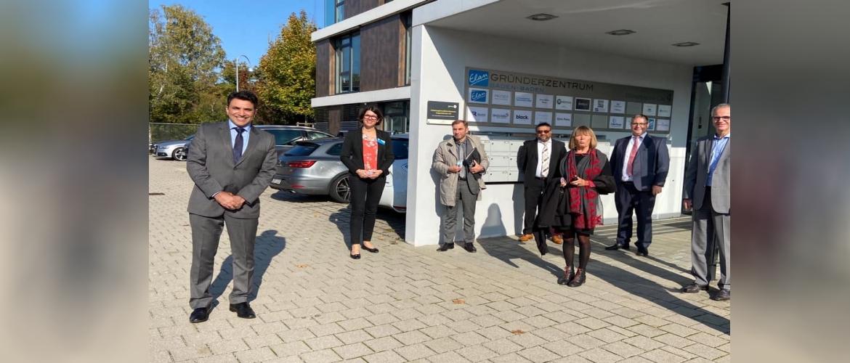 Consul General with entrepreneurs at Elan startup Center Stadt Baden-Baden.